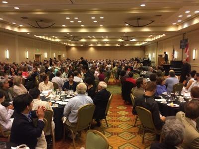 食事会「Golden Hammer Banquet」の会場。参加人数はおよそ640人!