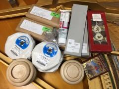 交換する部品が到着。国内外から取り寄せています。