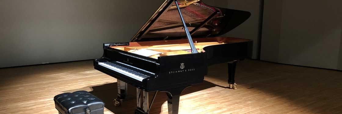 コンサートのピアノ調律もうかがいます。